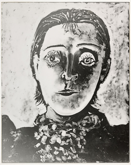 Dora Maar / Pablo Picasso Portrait of Dora Maar, Full Face, second state Paris, 1936–37 Period copy Gelatin silver print 29.7 × 24 cm Musée national Picasso-Paris Dation, 1998, former Dora Maar Collection MP 1998-321 RMN-Grand Palais (Musée national Picasso-Paris) / Mathieu Rabeau © Dora Maar, Vegap Barcelona, 2019 © Succession Pablo Picasso, VEGAP, Madrid 2019