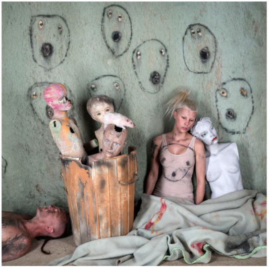 Roger Ballen, Thrown Out, 2018, courtesy the artist and Camara Oscura Galeriade Arte