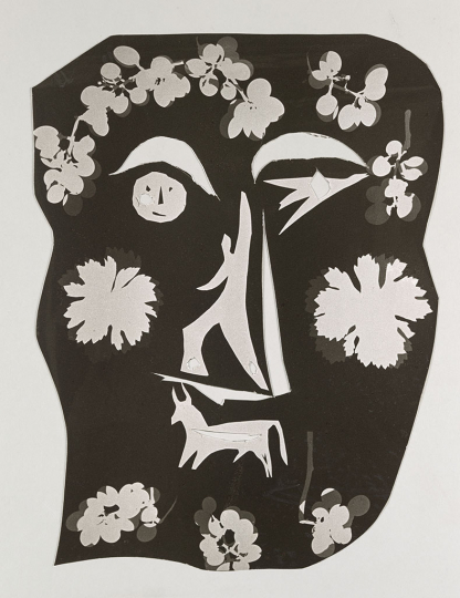 Pablo Picasso / André Villers Mask, hand-cut by Pablo Picasso from a photogram by André Villers made with silhouettes cut out by Pablo Picasso, Vallauris, c. 1954 Period copy Hand-cut gelatin silver print 37 × 27.6 cm Musée national Picasso-Paris Donation Succession Picasso, 1992 APPH2360(1) RMN-Grand Palais (Musée national Picasso-Paris) / Adrien Didierjean © André Villers, Vegap, Barcelona, 2019 © Succession Pablo Picasso, VEGAP, Madrid 2019