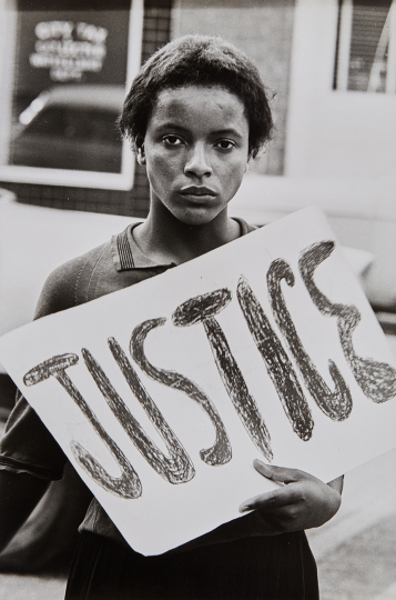 Declan Haun, Justice, Protestor in the Monroe Action Committee, N.C 1963 Gelatin silver print, printed later. 13 5/8 x 9 1/8 in. (34.6 x 23.2 cm) 'Black Star' agency credit stamp on the verso. Estimate : $ 3,000 - 5,000 - Image courtesy of Phillips