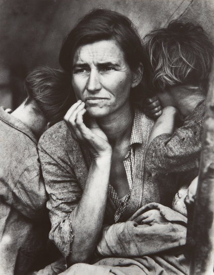 Dorothea Lange Migrant Mother, Nipomo, California 1936 Gelatin silver print, printed circa 1955. 13 1/4 x 10 3/8 in. (33.7 x 26.4 cm) Signed in pencil on the mount; dated and annotated 'Nipomo' in pencil on the reverse of the mount. Accompanied by a manuscript letter and postcard by Lange, postmarked 1953 and 1955, respectively. Estimate : $ 120,000 - 180,000 - Image courtesy of Phillips
