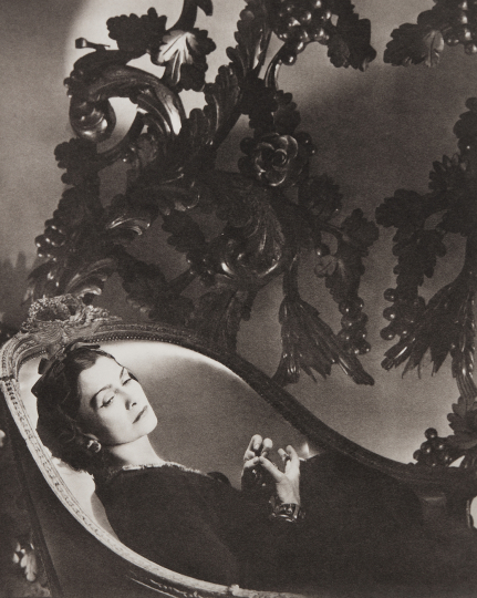 Horst P Horst Coco Chanel, II, Paris 1937 Platinum palladium print, printed later. 14 1/2 x 11 5/8 in. (36.8 x 29.5 cm) Signed, titled, dated, numbered 'AP,' and annotated in pencil on the verso; signature blindstamp in the margin. One from an edition of 6 plus artist's proofs. Estimate : $5,000 - 7,000 - Image courtesy of Phillips