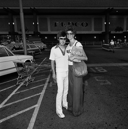 Couple at Fedco, 1976 © Roger Minick – Courtesy Joseph Bellows Gallery