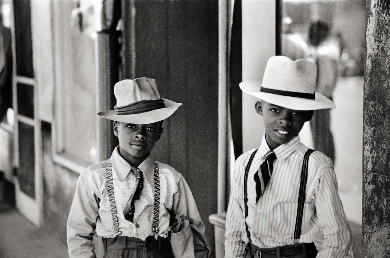 Natchez, Mississippi, U.S.A., 1947 © Henri Cartier-Bresson – Courtesy Peter Fetterman Gallery and Leica Gallery Los Angeles