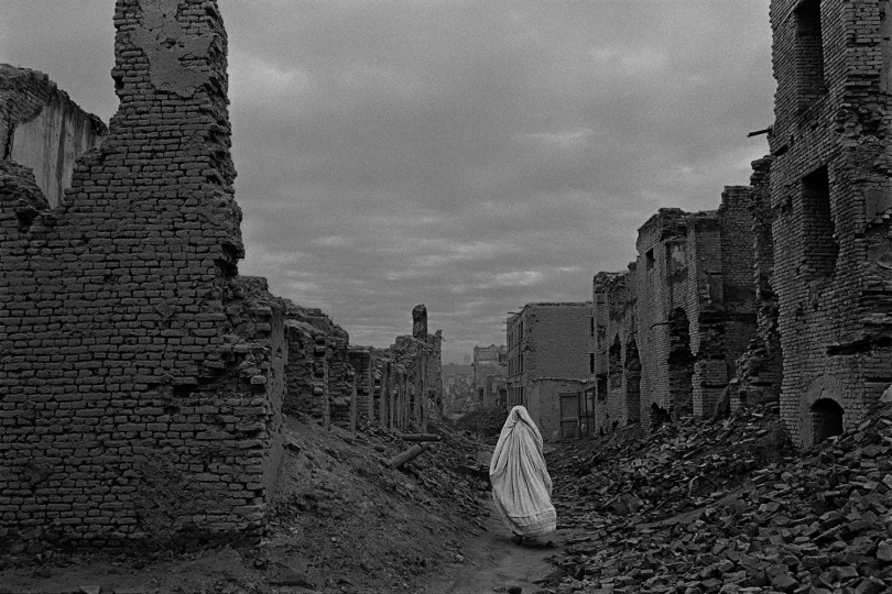 Afghanistan, 1996 - Ruins of Kabul from civil war. © James Nachtwey