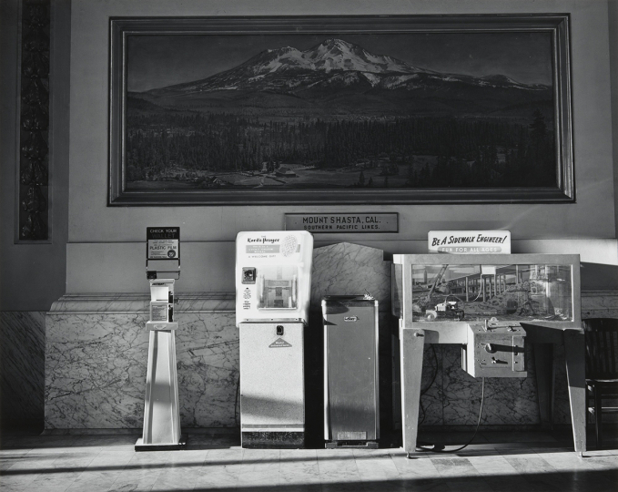 Chauncey Hare, Southern Pacific Station, Oakland, 1967, tirage argentique, MoMA