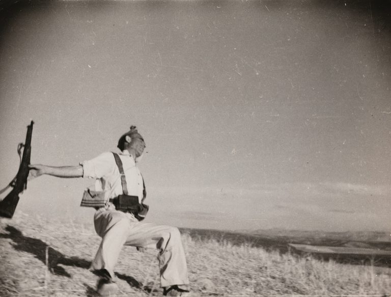 Icon of photojournalism by Robert Capa sold for 75.000 € at Sotheby's in Paris