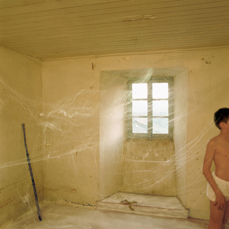 Holden Luntz : Rooms that Resonate with Possibilities : Bernard Faucon