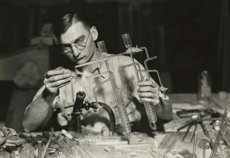 Howard Greenberg Gallery : Lewis Hine : The WPA National Research Project Photographs, 1936-37