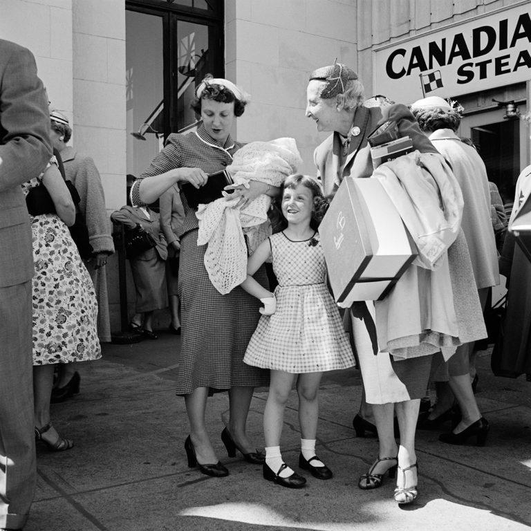 Fifty One : Vivian Maier : Capturing life